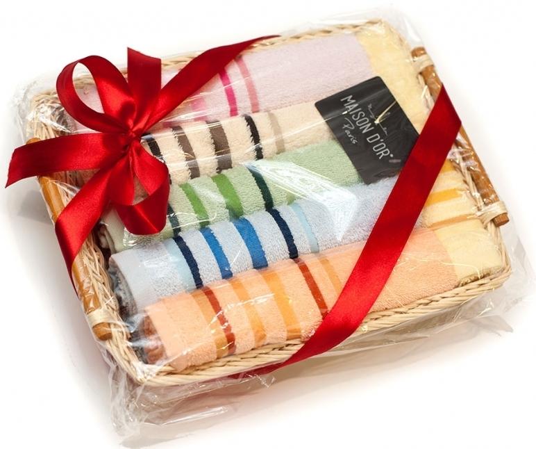 Подарок из кухонных полотенец как красиво завернуть