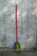 Метла полипропиленовая круглая (цветная), плоская