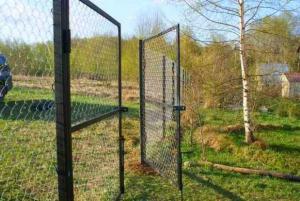 Ворота садовые распашные. Доставка бесплатная ро всему краю.