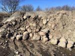 Бутовый камень с доставкой от 1 тонны