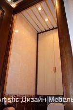 Шкаф над туалетом с вырезами под трубы в Пушкине