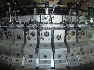Двухфонтурная кругловязальная жаккардовая машина Mayer OVJA 1.6 E