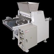 """""""ФПЛ-7"""" формовочная машина для производства пряника и овсяного печенья."""