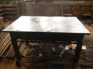 Продаю стол-плиту поверочную 1600мм*1000мм, высота: 85 см.