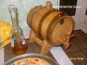 Бочка настольная дубовая на 3 литра для вина и коньяка