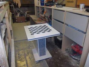 Столик для шахмат из искусственного камня