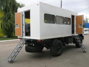 Вахтовый автобус на шасси КАМАЗ-43502