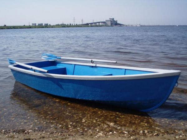 какая скорость у весельной лодки