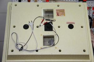 """Инкубатор бытовой """"Золушка"""" 220В/12 вт гор.вода на 98 яиц с автоматическим переворотом"""