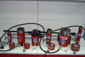 Домкраты гидравлические универсальные ДУ, 5-100 тонн