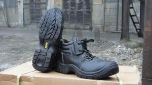 Ботинки рабочие утепленные иск. мехом, с антипрокольной стелькой, с металлоподноском и системой быстрого снятия обуви с ноги, класс защиты EU - S1P, модель МАСТЕР PROF М S1P