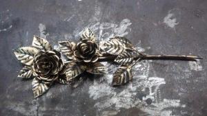 Роза кованая 3