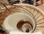 Лестницы, лестничные марши, ступени из искусственного камня аглокварца, агломрамора