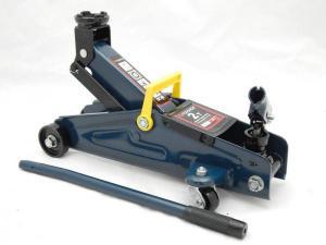 Домкрат подкатной 2 т с вращающейся ручкой 180 градусов(h min 140мм, h max 340мм,вес 10 кг) в кейсе  код 7769