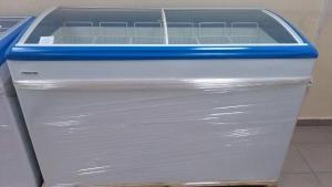 Морозильный ларь FROSTOR 550 Е МАХ с гнутыми стеклянными створками
