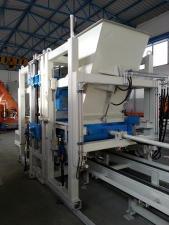 Вибропресс для производства бетонных блоков, брусчатки Sumab R-400
