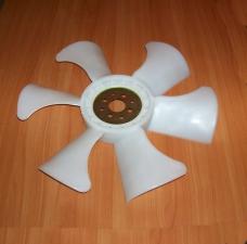 Крыльчатка вентилятора на двигатель автопогрузчика Komatsu 4D94E.