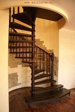 Винтовая интерьерная лестница