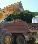 Погрузка и вывоз грунта, мусора.Планировка земли.
