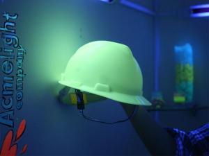 Светящийся в темноте шлем