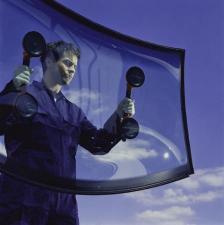 Автостёкла и зеркала на любой транспорт-изготовление