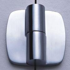Нержавеющая фурнитура и пластик Hpl для туалетных санитарных кабин. Оснащение объектов. Качество.